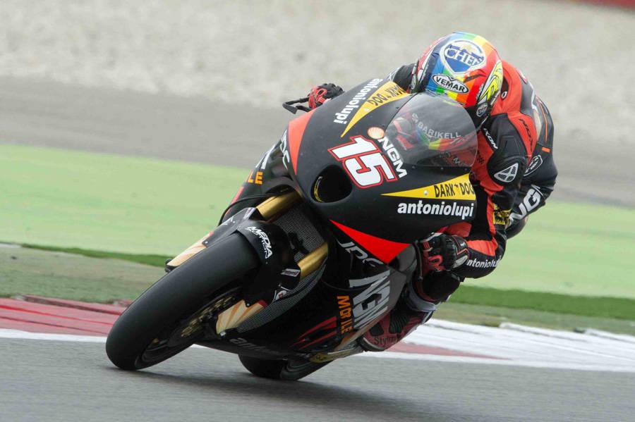 Alex lotta per il podio al debutto in gara con la FTR 3