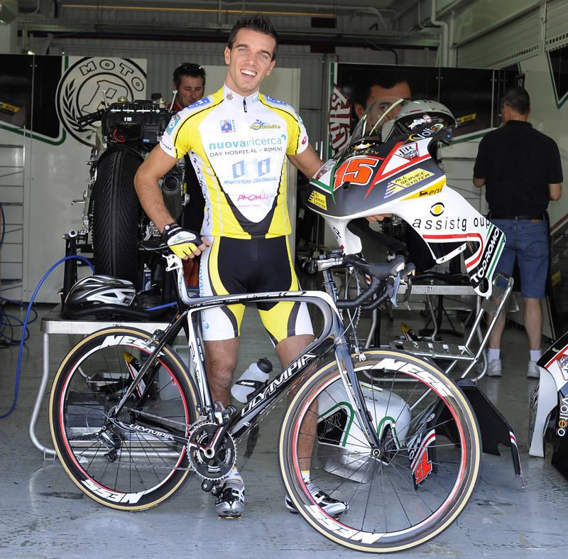 Al Ricardo Tormo ci si allena in bici 3