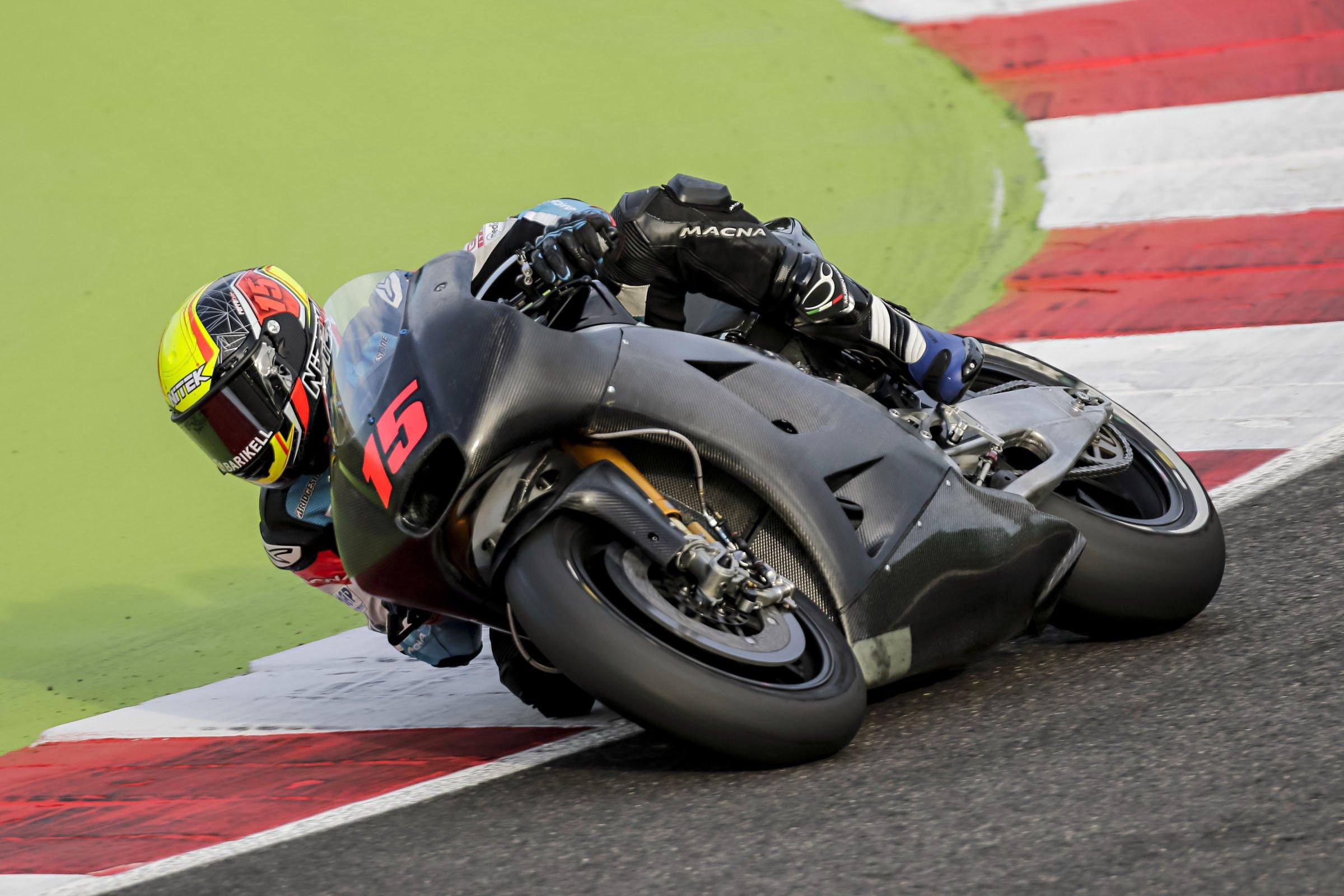 Alex prova l'Aprilia RS GP a Misano